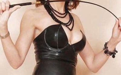Maitresse en humiliation et perversion reçoit jeune soumis sur Tours